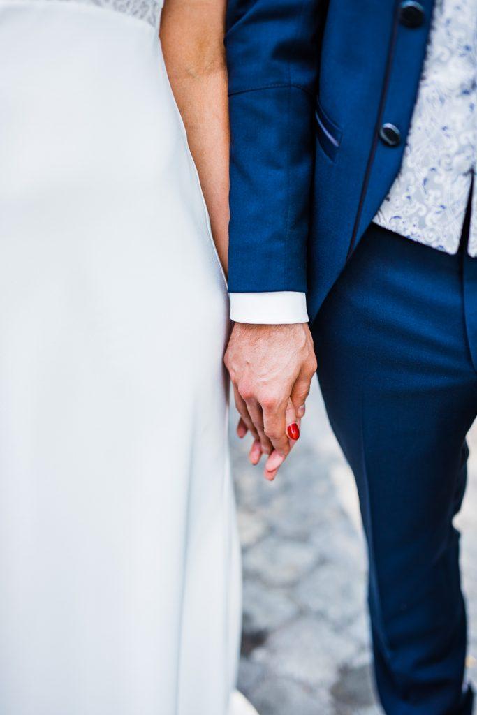 Photo de couple mariage mains